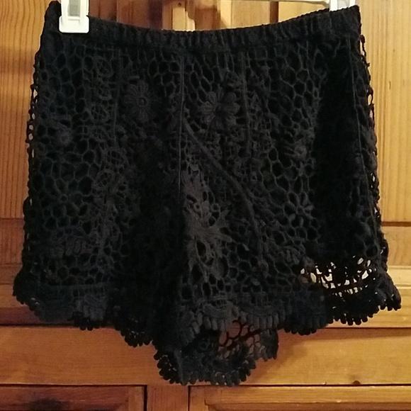 Lush Pants - LUSH CROCHET SHORT